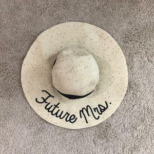 OS Francesca's Future Mrs. Sun Hat